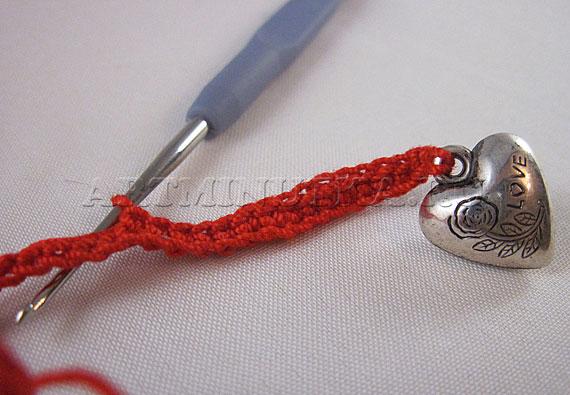 Вяжем крючком закладку для книги - фото