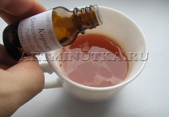 Шаг 12 - добавляем в основу эфирные масла - фото