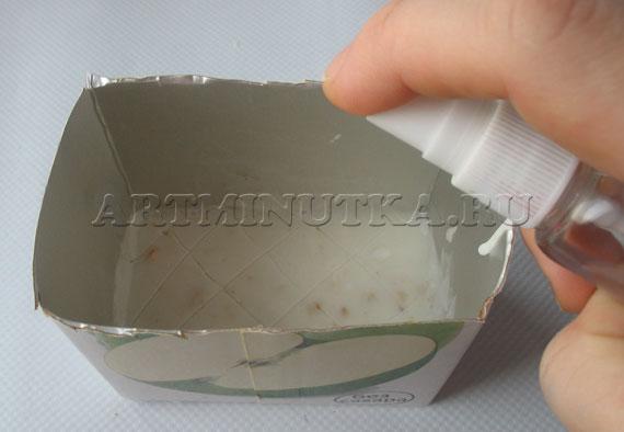 Шаг 12 - застывший слой мыла царапаем и сбрызгиваем спиртом - фото