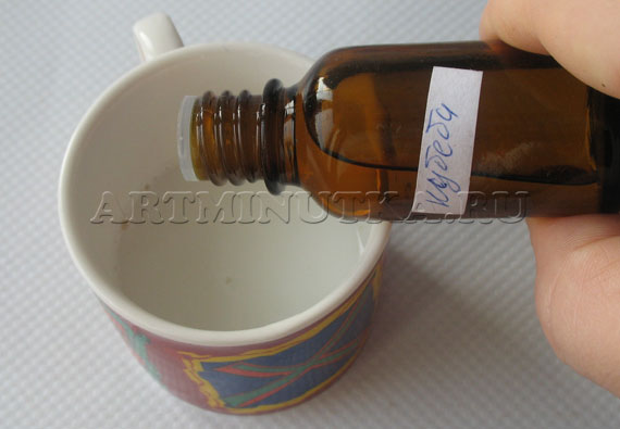 Шаг 22 - в белую основу добавляем эфирное масло - фото