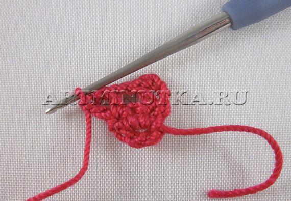 Вязание крючком сердечка-валентинки - вяжем ряд 2