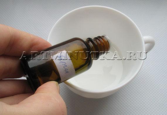 Шаг 5 - ароматизируем растопленную белую основу - фото