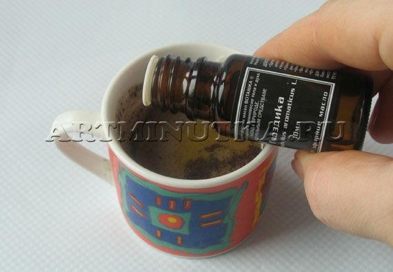 Шаг 5 - добавляем эфирные масла в мыльную основу - фото