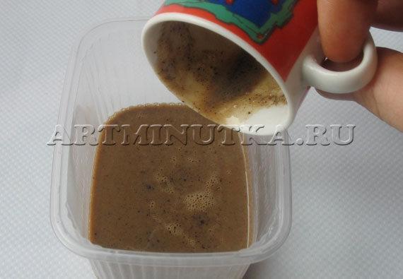 Шаг 6 - переливаем мыльную основу в форму - фото