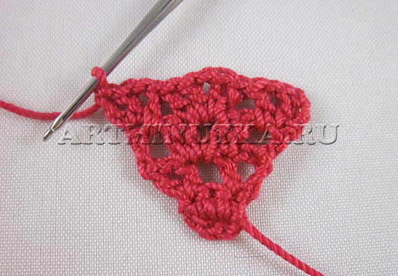 Сердечко на день Валентина - вяжем ряд 4