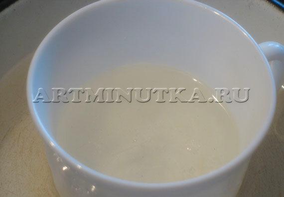 Шаг 8 - растапливаем на водяной бане прозрачную мыльную основу - фото