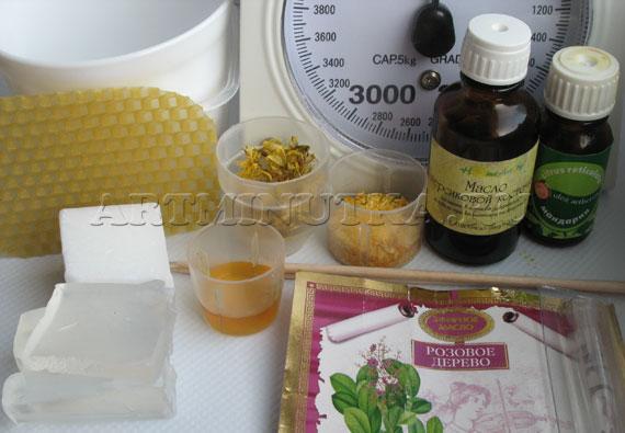 Ингредиенты для варки мыла с медом и вощиной - фото
